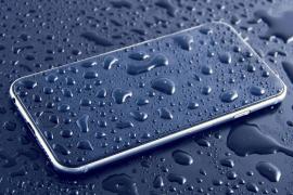Facua denuncia a Apple por publicidad engañosa con su iPhone 8 «resistente al agua»