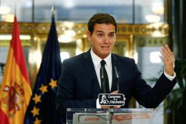 """Rivera critica que Iceta intente """"presionar a los jueces"""" y pide al PSOE que le corrija"""