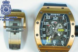 La Policía Nacional detiene a tres jóvenes italianos por el robo de un reloj de 130.000 €
