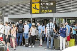 Matutes alerta de los efectos del Brexit y de la «cola del huracán catalán» para el futuro de Ibiza