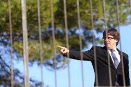 Puigdemont amenaza con declarar la independencia si no hay diálogo