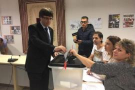 Un informe policial acusa a los Mossos que en 41 centros donde dicen que impidieron votar, el Govern recontó más síes que censo