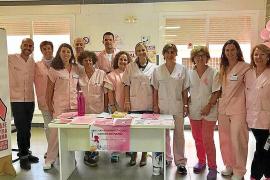 Mesas informativas para concienciar sobre la importancia de la detección precoz del cáncer de mama