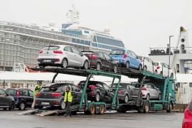 «Si hay regulación para las plazas hoteleras o los taxis, ¿por qué no para los 'rent a car'?»