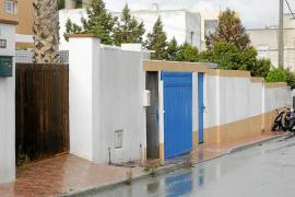 La ilegalidad del 'chalet patera' de Sant Antoni sigue dando dinero a su propietario