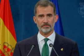 Felipe VI: «El inaceptable intento de secesión en Cataluña se resolverá con sus legítimas instituciones democráticas»