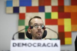 """Podemos acusa a Rajoy de """"suspender la democracia en Cataluña y en España"""""""