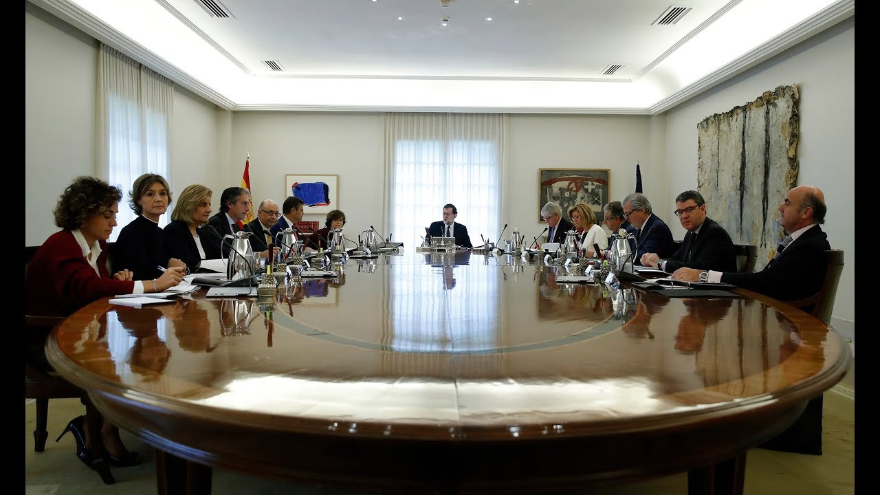 Rajoy anuncia la convocatoria de elecciones en Cataluña y la destitución del Govern de Puigdemont