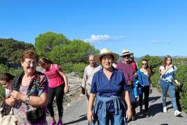 Los vecinos de Sant Carles visitan Tagomago