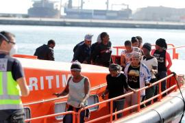 Ascienden a 198 los inmigrantes rescatados este sábado en costas de Andalucía