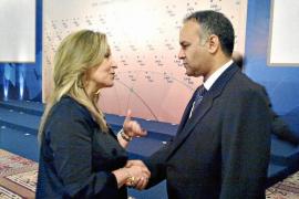 Los países que apoyan a los rebeldes libios se plantean entregarles armas