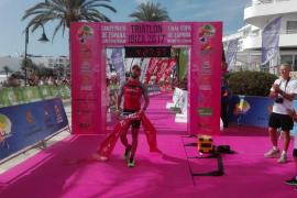 Vadell y Sánchez se coronan en Media distancia de triatlón en Ibiza