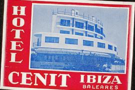 Etiquetas y posavasos de hoteles ibicencos