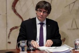 Fiscalía estudia querellarse contra Puigdemont en el Supremo si declara la independencia