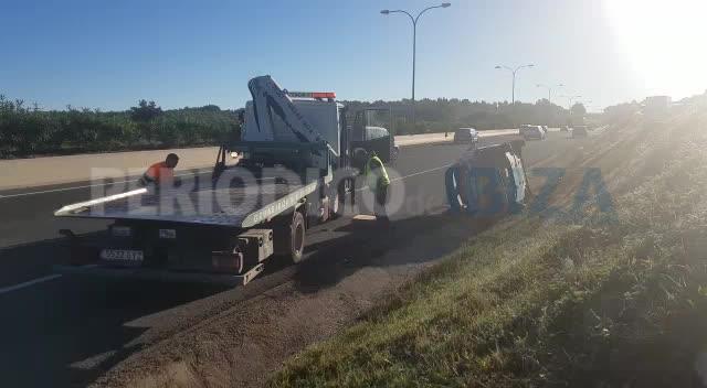 Dos heridos en un aparatoso choque en cadena en la autovía de Sant Antoni