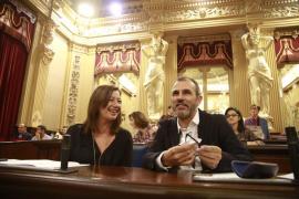 Armengol apuesta por acabar la legislatura invirtiendo más de mil millones en educación