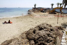Reaparece la arena en la playa de ses Figueretes