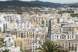 El Govern aprobará rebajas fiscales para fomentar el alquiler no turístico