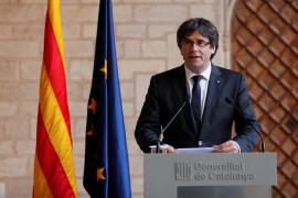 Puigdemont descarta elecciones y deja en manos del Parlament cómo reaccionar al 155