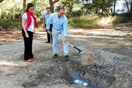 Formentera pone la primera piedra de su nuevo tanatorio insular