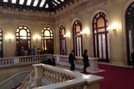 Puigdemont e Iceta se reúnen unos minutos en el Parlament
