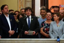 Carles Puigdemont pide afrontar con «paz, civismo y dignidad» la República catalana