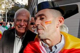 """Borrell pide votar el 21-D para """"volver a la normalidad"""""""
