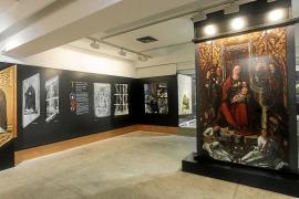 Copias del retablo de la iglesia de Jesús para la exposición en Sa Nostra Sala