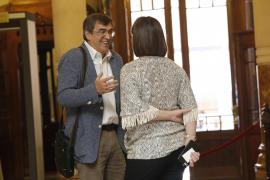 Ciudadanos, PI y PP cuestionan que Antich se fuera del pleno para no votar