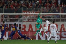 Champions League - Olympiacos vs FC Barcelona