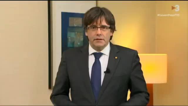 """Puigdemont exige la liberación de sus consellers y afirma que """"es un golpe contra las elecciones del 21-D"""""""