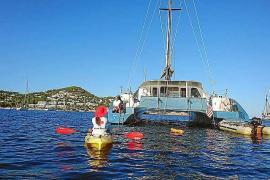 Los voluntarios de Cruz Roja han detectado este verano a 34 embarcaciones sobre posidonia