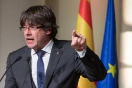 Carles Puigdemont critica que Forcadell ingrese en la cárcel: «Así es la democracia española»