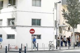 Vila creará una comisión con los vecinos para supervisar el buen funcionamiento del albergue