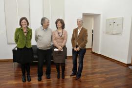Una pequeña muestra de la obra de Tur Costa, en el Ayuntamiento de Vila