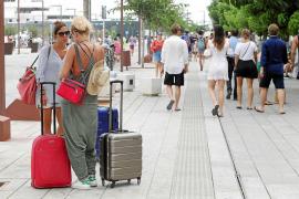 Los hoteleros de Vila se plantean pedir a Booking que cobre gastos por las cancelaciones