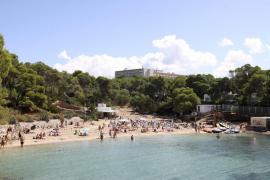 Un turista norteamericano de 29 años fallece ahogado en Cala Gració