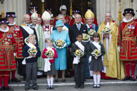 La Reina Isabel da su consentimiento formal a la boda de Guillermo