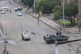 El Ejército toma el control en Zimbabue sin aclarar el futuro de Mugabe