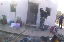 Un cortocircuito causa un incendio en una vivienda de ses Salines