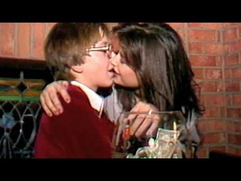 Ve la luz un polémico vídeo de Demi Moore besando a un menor