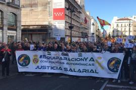 """Miles de policías y guardias civiles piden """"equiparación salarial"""" respecto a Mossos y resto de cuerpos"""