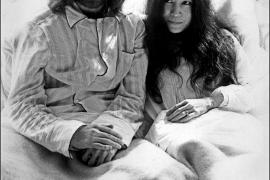 El exchófer de Yoko Ono, sospechoso del robo de un centenar objetos de Lennon