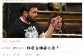 Ana Pastor recrimina a Rufián su último episodio con las esposas