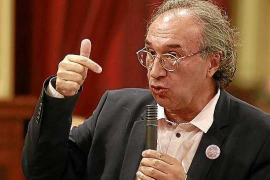 El conseller Martí March niega que haya adoctrinamiento político en las escuelas