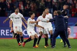 El Sevilla obra el milagro en una noche épica