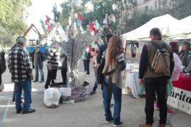 Medio centenar de personas claman en Ibiza por el derecho a la vivienda