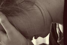Condenado a indemnizar con 28.000 euros a una mujer por un beso en contra de su voluntad