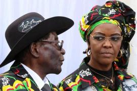 Mugabe recibió garantías de que no será juzgado antes de dimitir y se quedará en Zimbabue