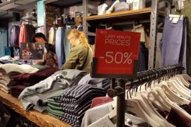 Los comercios de Ibiza lanzan descuentos de hasta el 50% por el 'Black Friday'